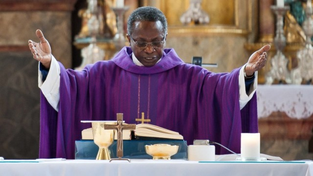 Zorneding Rücktritt von Zornedinger Pfarrer