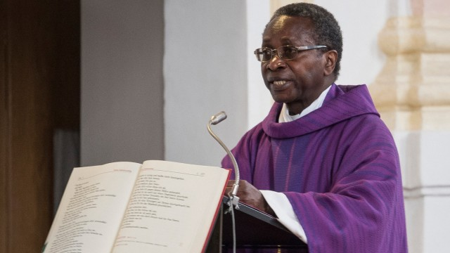 Pfarrer Ndjimbi-Tshiende