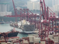 Honk Kong port volume slips amid competition from mainland China