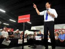 Republican U.S. presidential candidate Rubio addresses supporters during a campaign rally in Sarasota