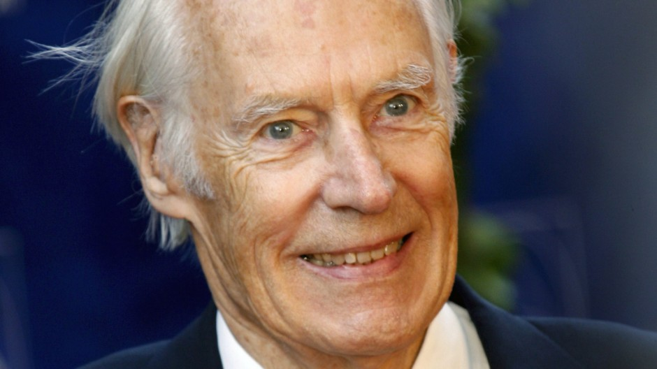 The Beatles producer, Sir George Martin dies at the age of 90
