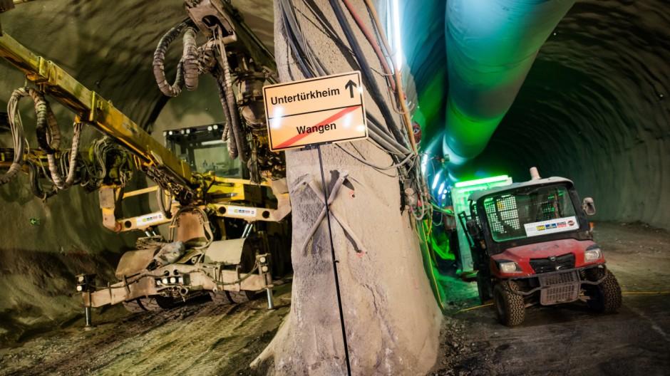 Erstes Tunnelstück unterm Neckar für Stuttgart 21