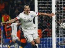 Chelsea v Paris St Germain - UEFA Champions League Round of 16 Second Leg