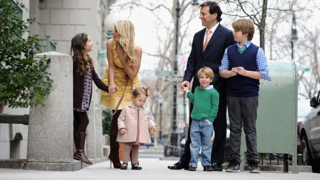 Photo Session With 'The Real Housewives Of New York' Aviva Dresher And Family