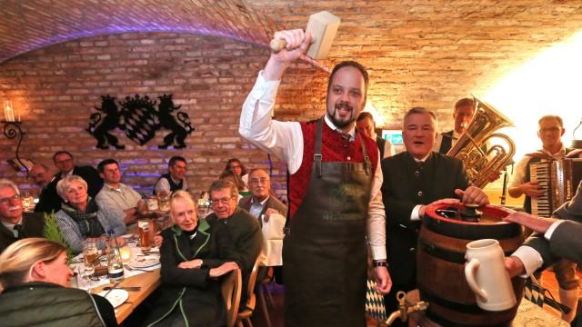 Freising Starke Sprüche beim Starkbierfest