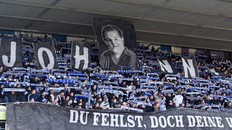 12 03 2016 xfux Fussball 1 Bundesliga SV Darmstadt 98 FC Augsburg emspor emonline v l Choreo; Augsburg