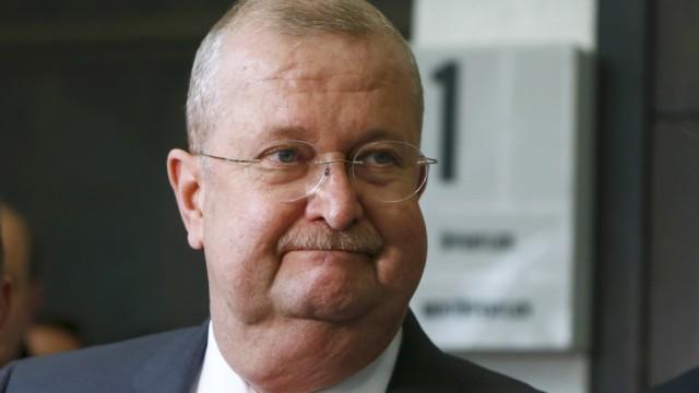 Former CEO of Porsche AG Wiedeking leaves court after being aquitted in Stuttgart