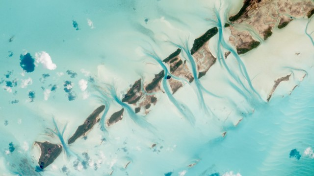 Small island cays in the Bahamas seem from the ISS