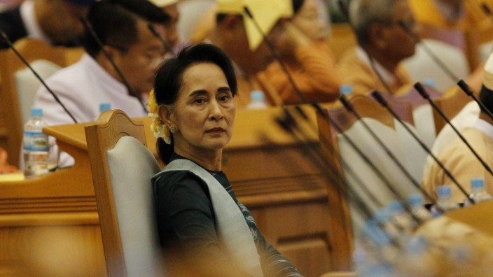 Myanmar democracy leader Aung San Suu Kyi nominated to cabinet