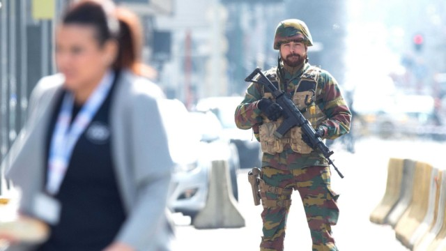 Explosion at Brussels metro station