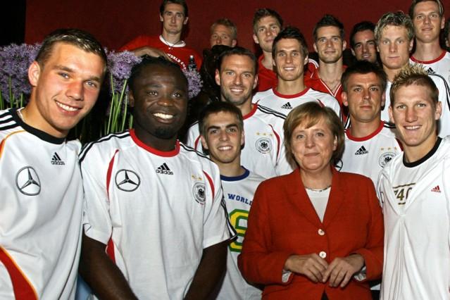 WM 2006 - Merkel bei Nationalmannschaft