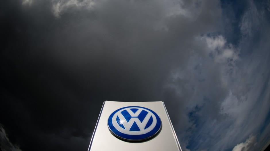 VW und Porsche rufen Fahrzeuge zurück