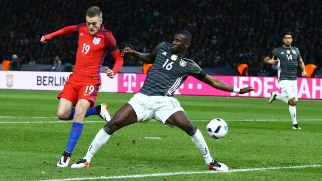 Fußball Länderspiel James Vardy erzielt per Hacke das 2 2 Deutschland England Jamie Vardy of En