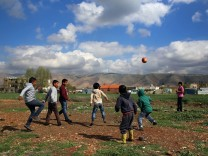 Syrische Kinder in einem  Flüchtlingslager im Libanon