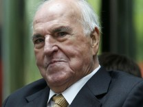German former chancellor Helmut Kohl attends unveiling ceremony in Berlin