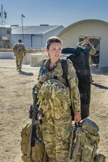 Frau an der Front (Our Girl - für die Medien, zur aktuellen Berichterstattung)