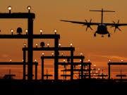 Laser-Attacken gegen Flugzeuge häufen sich, dpa