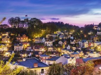 Germany Hamburg Blankenese Suellberg Houses in the evening PUBLICATIONxINxGERxSUIxAUTxHUNxONLY NK