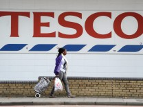 British retail giant Tesco sees 91-per-cent profit fall
