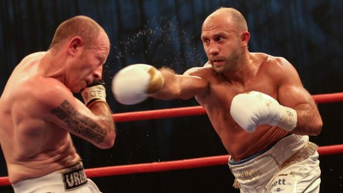 Fight Night Profi Boxen München Internationale Deutsche Meisterschaft BDB Howe der Löwe Bebrah; Howik Bebraham