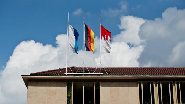 Flaggen auf bayerischem Heimatministerium