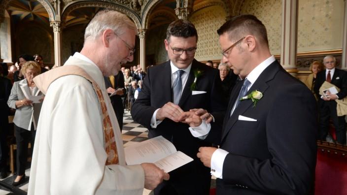 Kirchliche Segnung  für Stefan Kaufmann und Rolf Pfander