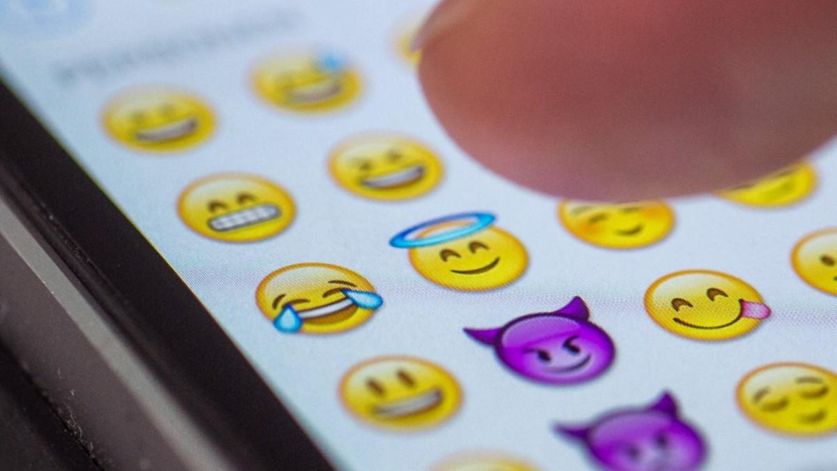 Studie kommunikation mit emojis blickt niemand wissen süddeutsche de