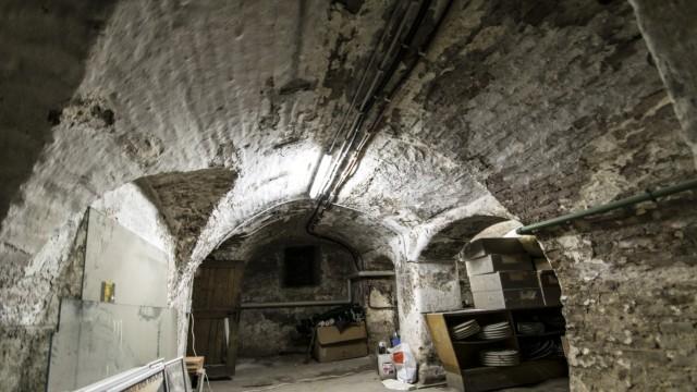 Moosburg Begonnen hat das Projektim Keller des Bistro Woch'nblatt