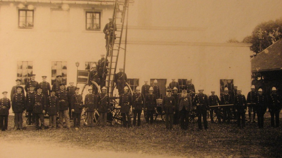 Frewillige Feuerwehr Neubiberg Museum hostorische Aufnahme