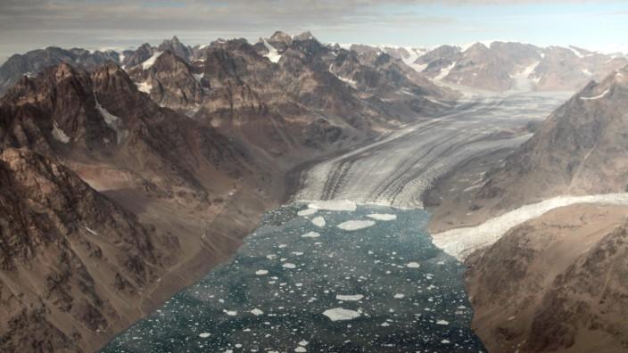 Grönland-Gletscher schmelzen im warmen Meerwasser