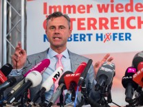Norbert Hofer attends a press conference