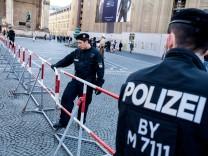 Polizeiabsperrung vor Pegida Kundgebung in München, 2016