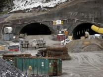 Oberau: BAUSTELLE Autobahn-Tunnel / Umgehung