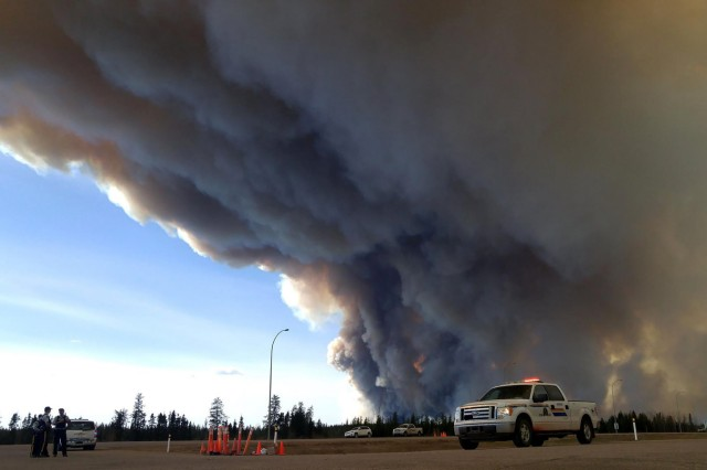 Fires and evacuation from forest fires in Fort McMurray