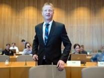 Innenminister Jäger Zeuge im U-Ausschuss