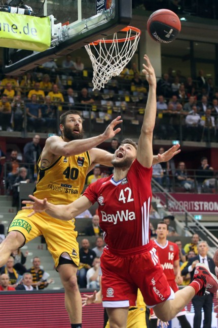 Jon Brockman MHP RIESEN Ludwigsburg Maximilian Kleber FC Bayern Muenchen Basketball MHP RIE