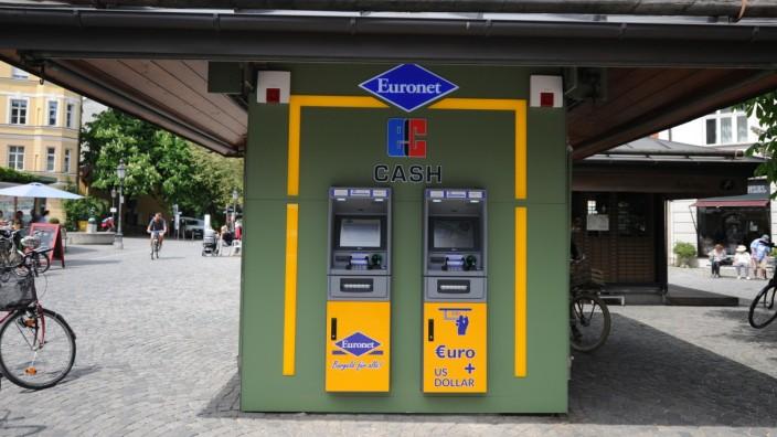 Geldautomaten in Deutschland: Geld abheben wird schwieriger - Zahl der Automaten nimmt ab
