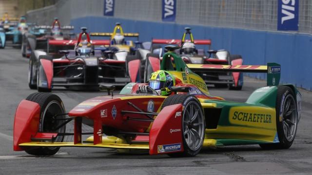 Lucas di Grassi beim Formel-E-Rennen in Paris.