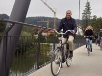 SZ Tour - sechste Etappe: Vom Bürgerladen zum Dorfladen mit Bürgermeister Heilinglechner