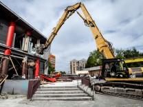 Abriss der Kultfabrik in München, 2016
