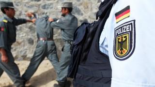 Bundesregierung Polizisten und Soldaten