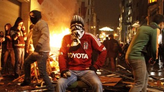 Arrests made in Istanbul protests against new internet law