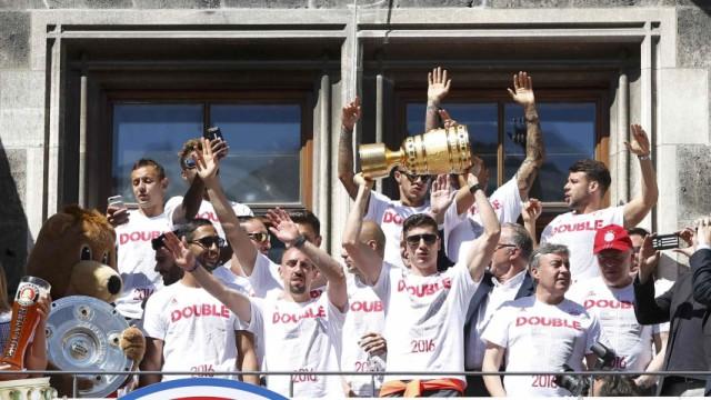 Bayern Munich German Cup DFB Pokal victory parade