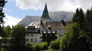 Hotelier Vom G 7 Gipfel Darf Wohl Luxus Chalets Bauen Bayern