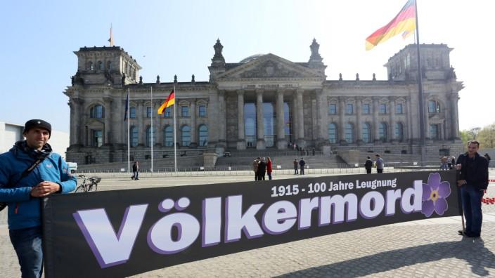 Demo von Armeniern in Berlin