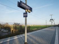 Haar, Gronsdorf, Blick nach Osten vom Bahnhof aus