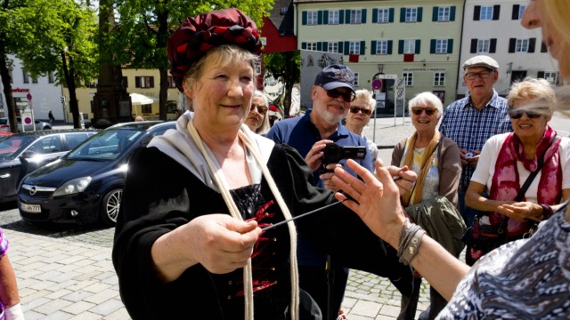 Roswitha Hülser - Zauberin und 'zauberhafte' Stadtführung'