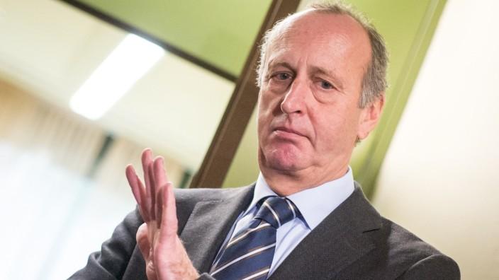 Hubert Haderthauer versetzt Untersuchungsausschuss