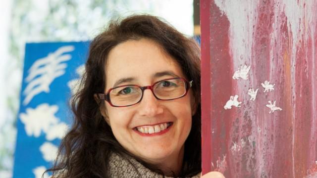 Ingrid Müller, eine Künstlerin, im Kunsttreff Quiddestraße 45 in Neuperlach