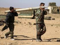 Soldaten der syrischen Armee in der Provinz Al-Rakka